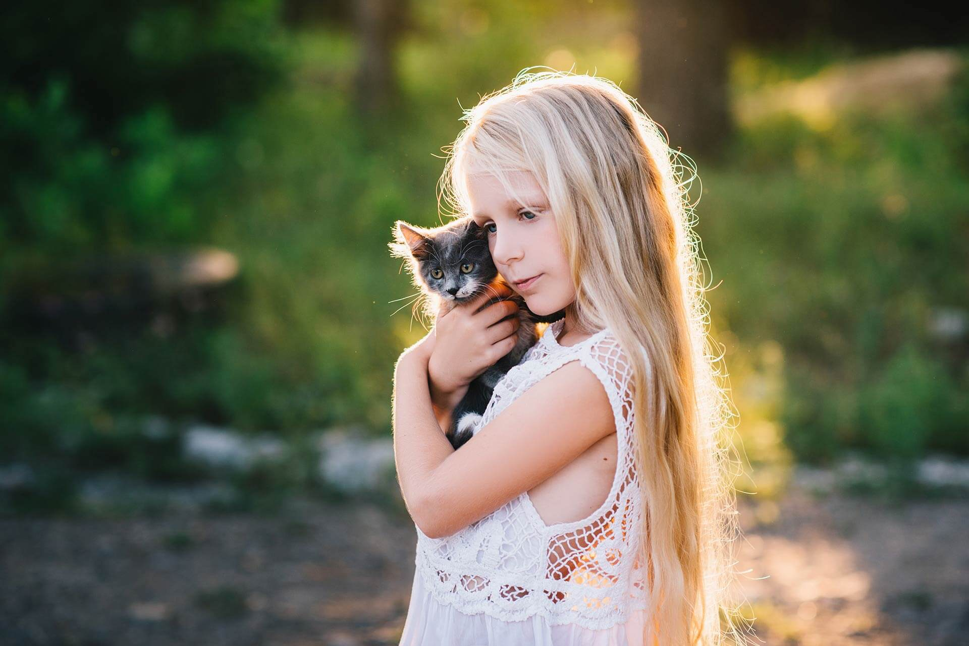 8 reasons why every child needs a dog or a cat