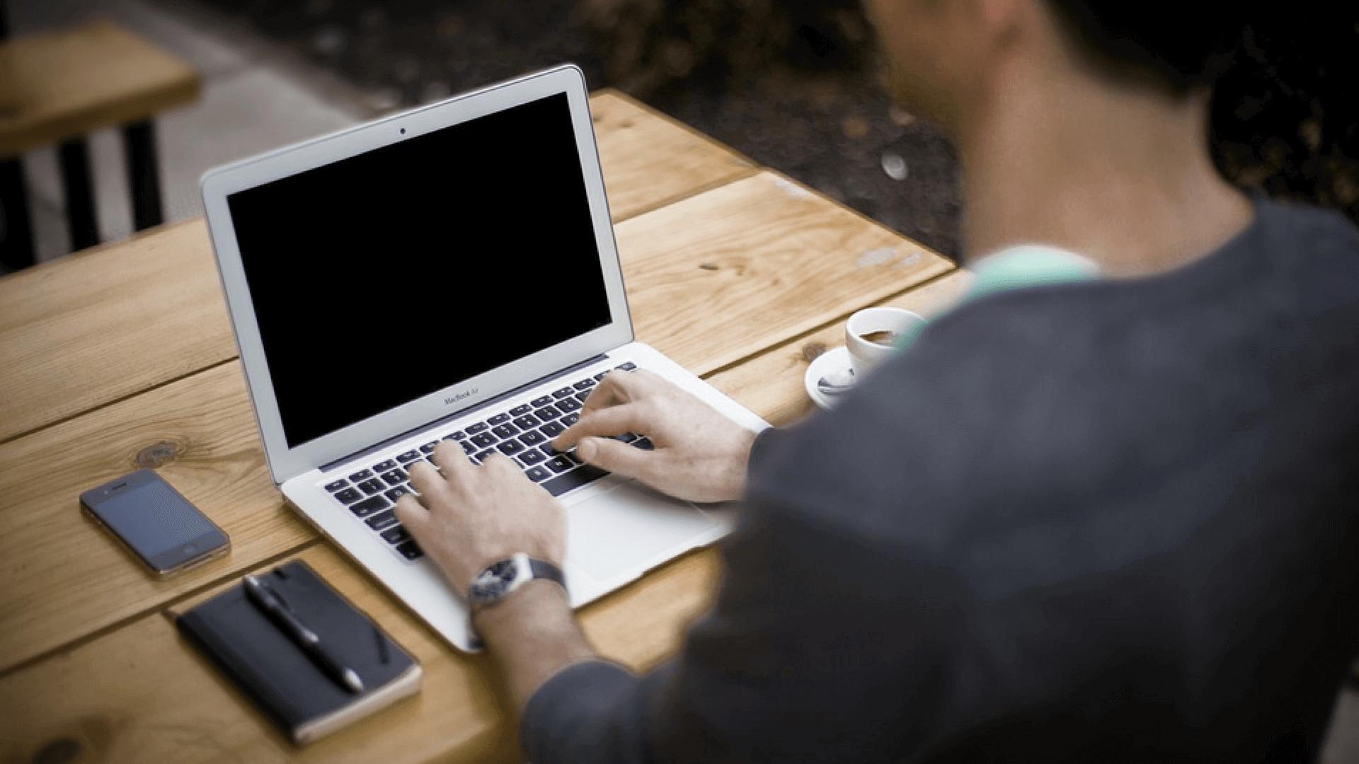 Pass deine Bewerbungsunterlagen bei der Jobsuche an