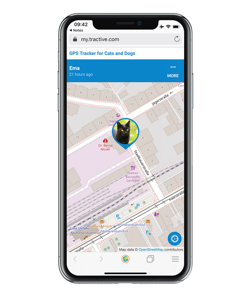 screenshot of the Tractive GPS app - public sharing feature