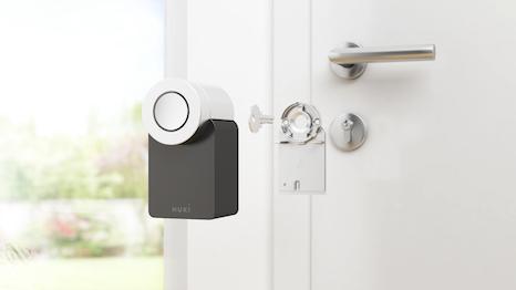 Smart Lock an der Innenseite der Haustür