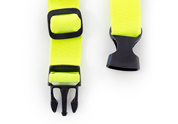 Signal vest has adjustable size to fit every dog